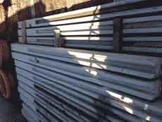 stalp de gard din beton